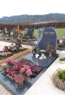 Grabstätte aus österr. Syenit