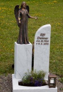 schoenes-urnengrab-engel