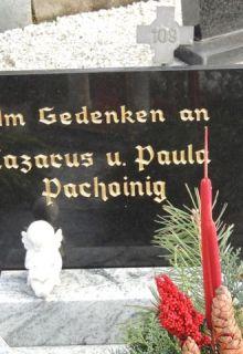 Gedenktafel mit gotischem Schriftzug